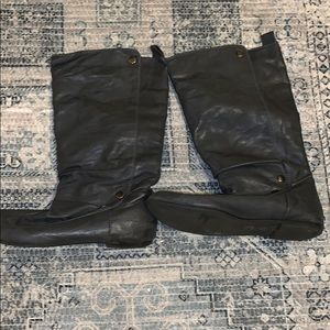 Gray knee-high X-Appeal Boots